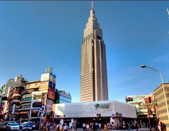 渋谷区代々木駅の風景.jpg